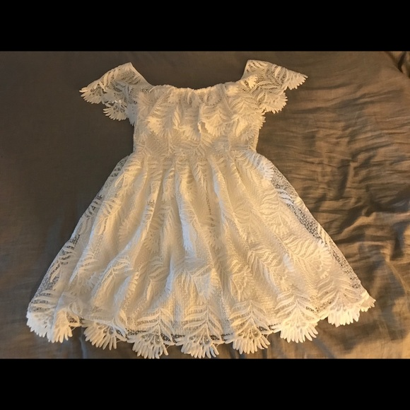Lovers + Friends Dresses & Skirts - Lovers + Friends White Lace Dress